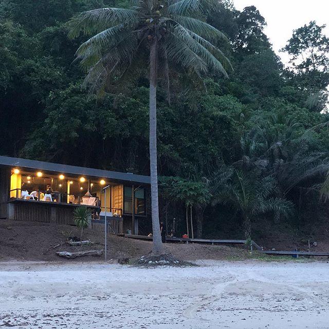 Perfect hiding place. #hideaway #vacay #vacation #hideandseek #thailand #thailandtravel #exclusive #sandandsea